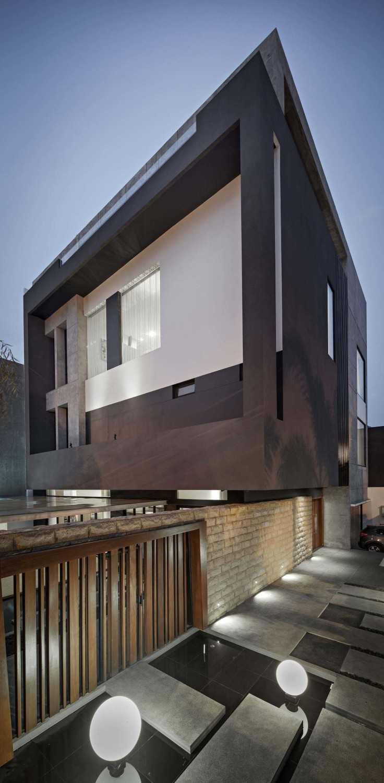 Dp+Hs Architects S+I House Jakarta, Indonesia Jakarta, Indonesia Exterior View Industrial,kontemporer,modern 12027
