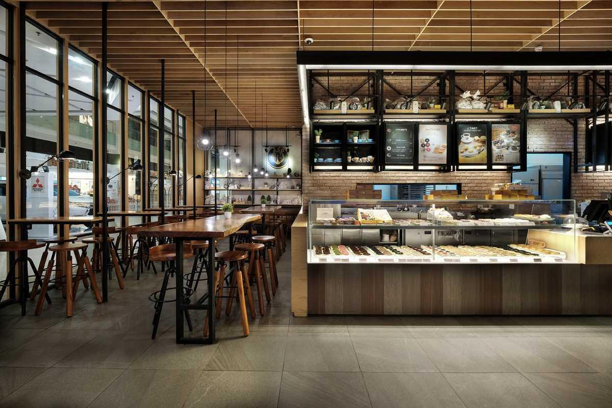 Foto inspirasi ide desain display area kontemporer Jco-gandaria-city-dphs-architects-06 oleh DP+HS Architects di Arsitag