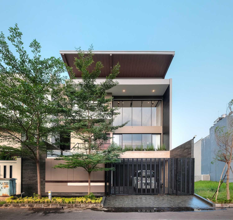 Dp+Hs Architects R+E House Daerah Khusus Ibukota Jakarta, Indonesia Daerah Khusus Ibukota Jakarta, Indonesia Dphs-Architects-Re-House Modern 51417
