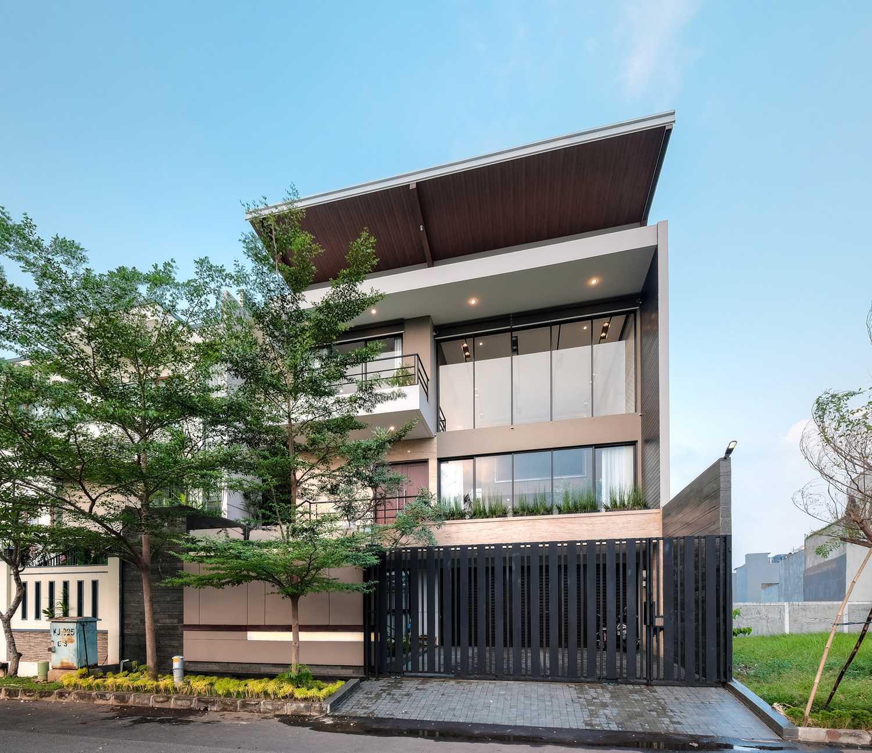 Dp+Hs Architects R+E House Daerah Khusus Ibukota Jakarta, Indonesia Daerah Khusus Ibukota Jakarta, Indonesia Dphs-Architects-Re-House Modern 51418