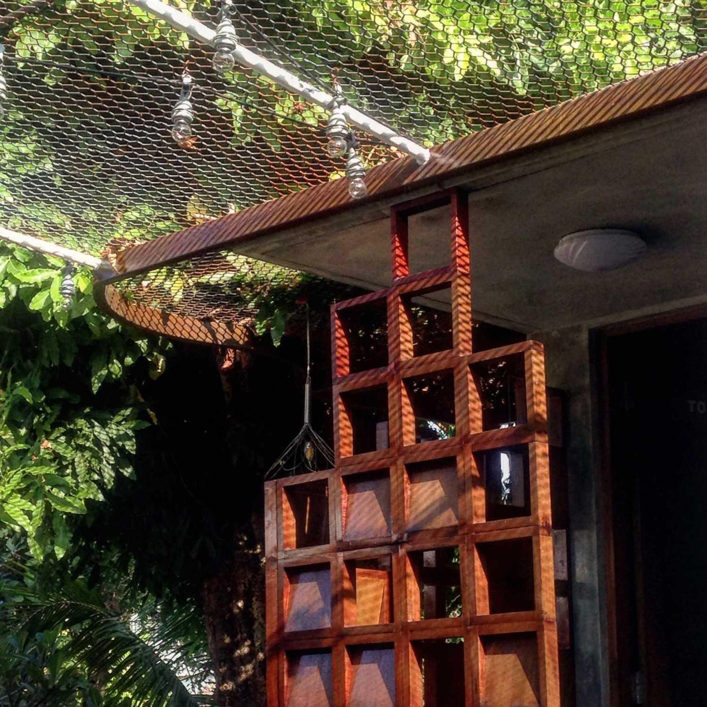 Foto inspirasi ide desain restoran Exterior details oleh Studio Asri di Arsitag