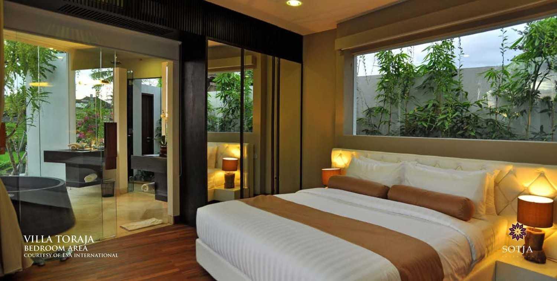 Foto inspirasi ide desain kamar tidur tradisional Bedroom-area oleh SOTJA Interiors di Arsitag