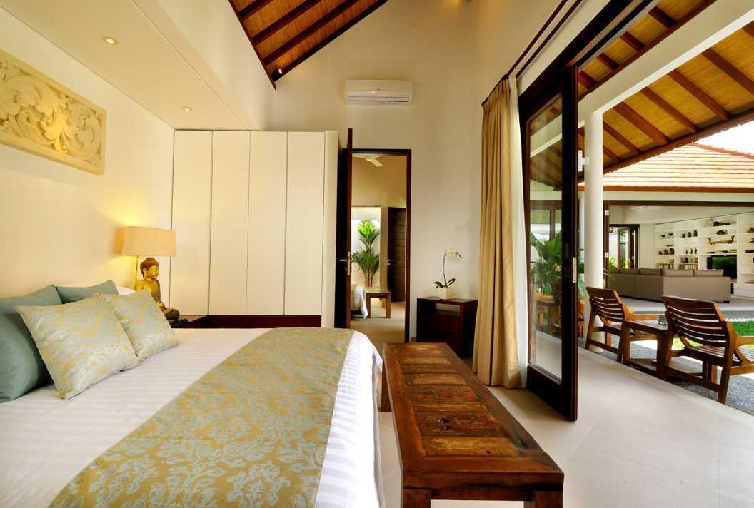 Foto inspirasi ide desain kamar tidur modern Bedroom oleh OG Architects di Arsitag