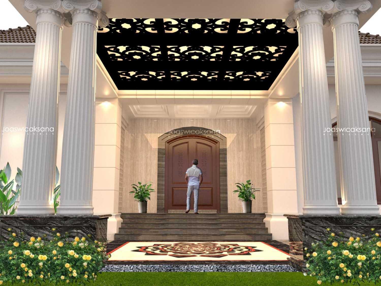 Foto inspirasi ide desain pintu masuk klasik Front door oleh JWRA Studio di Arsitag