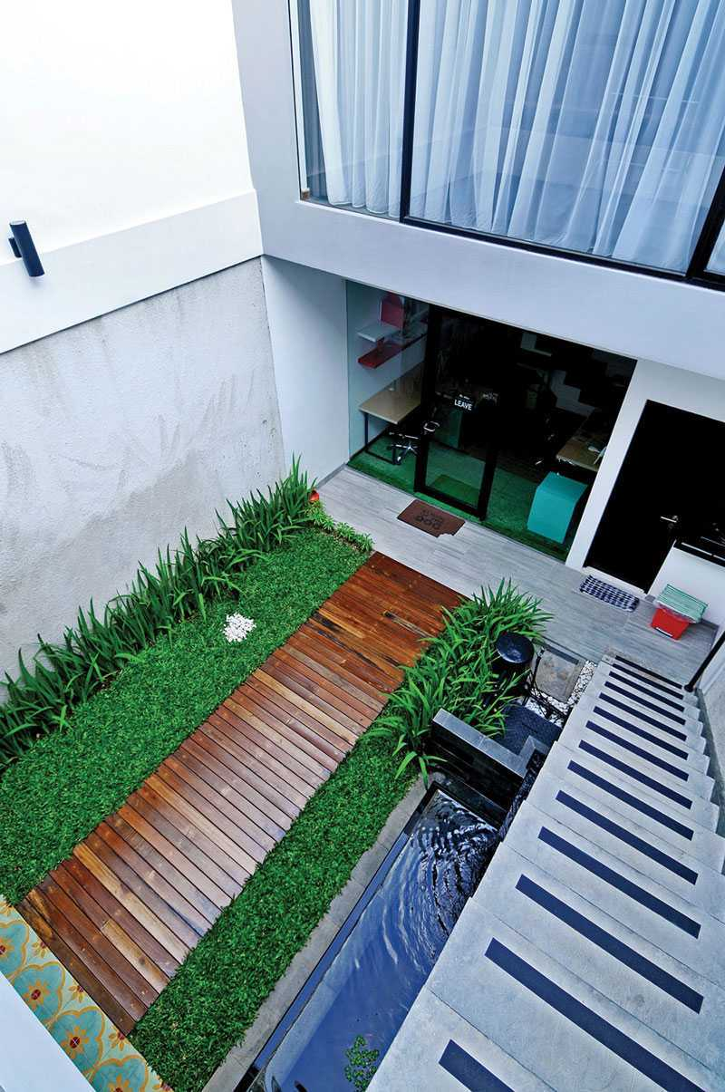 Vindo Design Urban Pop House Jakarta, Indonesia Jakarta, Indonesia Garden-And-Pond Minimalis 9267