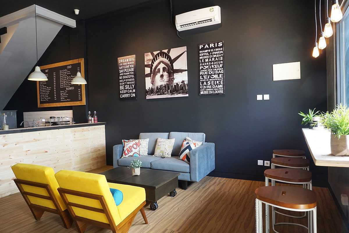 Vindo Design Wanderlust Coffee Shop Tangerang, Indonesia Tangerang, Indonesia Seating-Area Industrial 9270