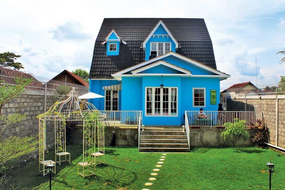 Vindo Design Rumah Paris Yogyakarta Yogyakarta Backyard Modern 21172