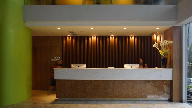 Pt.  Atelier Una Indonesia Maxone Hotel Pemuda Jakarta, Indonesia Jakarta, Indonesia Reception-Area  9492