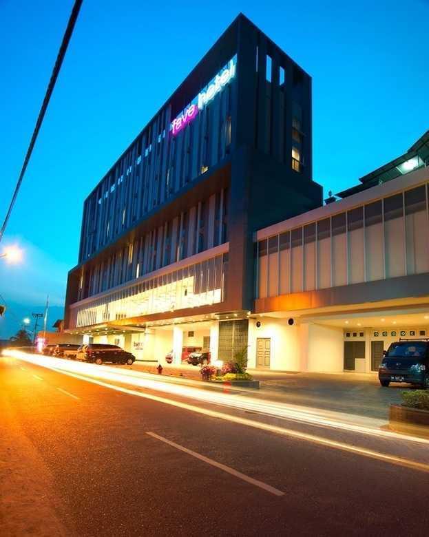 Pt.  Atelier Una Indonesia Fave Hotel Pekanbaru - Riau Pekanbaru, Kota Pekanbaru, Riau, Indonesia Pekanbaru, Kota Pekanbaru, Riau, Indonesia Facade View At Night Modern 46544