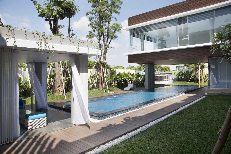 Das Quadrat Selat House Surabaya, Indonesia Surabaya, Indonesia Swimming Pool Area  9374