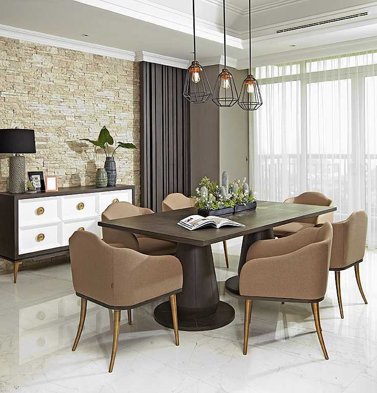 Foto inspirasi ide desain apartemen asian Dining room oleh VIVERE - Furniture & Home Decor di Arsitag
