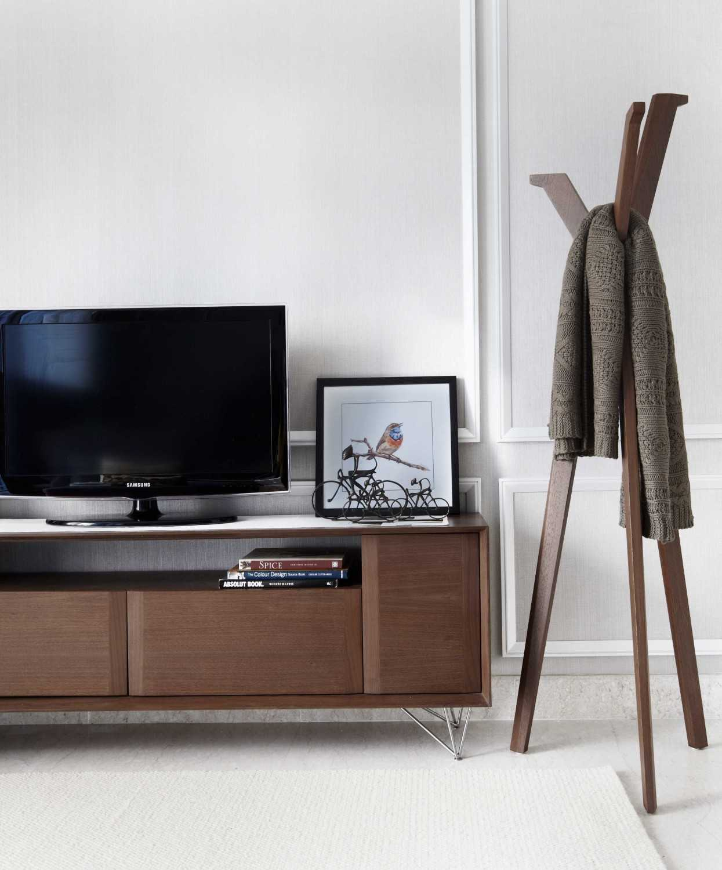 Vivere - Furniture & Home Decor Windsor Private Residence Rt.1/rw.2, Kembangan Sel., Kembangan, Kota Jakarta Barat, Daerah Khusus Ibukota Jakarta 11610, Indonesia  Livingroom Asian,wood 33840
