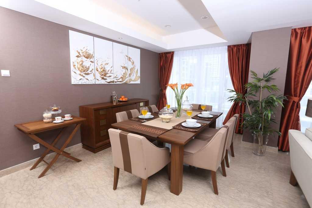 Foto inspirasi ide desain kamar tidur asian Dining room oleh VIVERE - Furniture & Home Decor di Arsitag