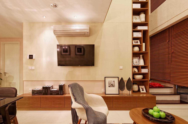 Teddykoo  3 Bedroom Loft Show Unit Paddington Height Apartment Alam Sutera  Alam Sutera  Livingroom  9633