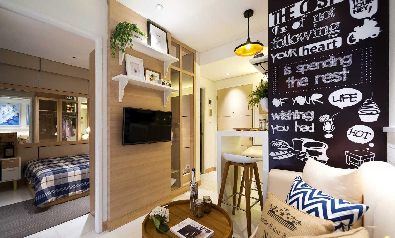 Foto inspirasi ide desain apartemen skandinavia Living room oleh teddykoo  di Arsitag