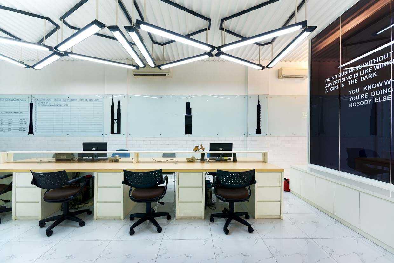 Teddykoo  Office Pt Maya Ad Bekasi  Bekasi  Staff Area Industrial,modern 29979