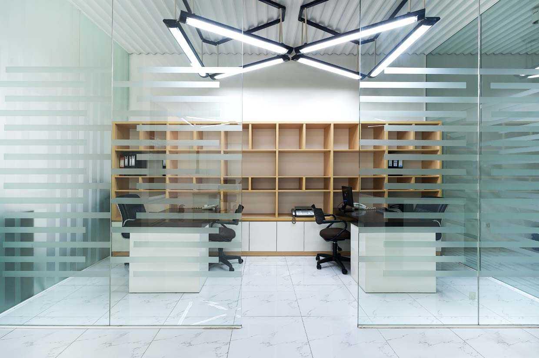 Teddykoo  Office Pt Maya Ad Bekasi  Bekasi  Staff Room Industrial,modern 29980