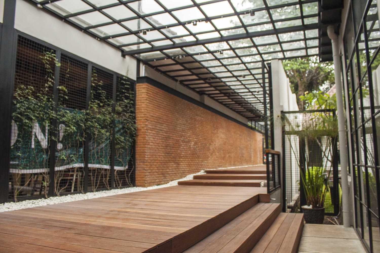 Januar Senjaya & Filani Limansyah / Addo Architecture Beehive Boutique Hotel Bandung, West Java, Indonesia Bandung, West Java, Indonesia Corridor Hotel  9699