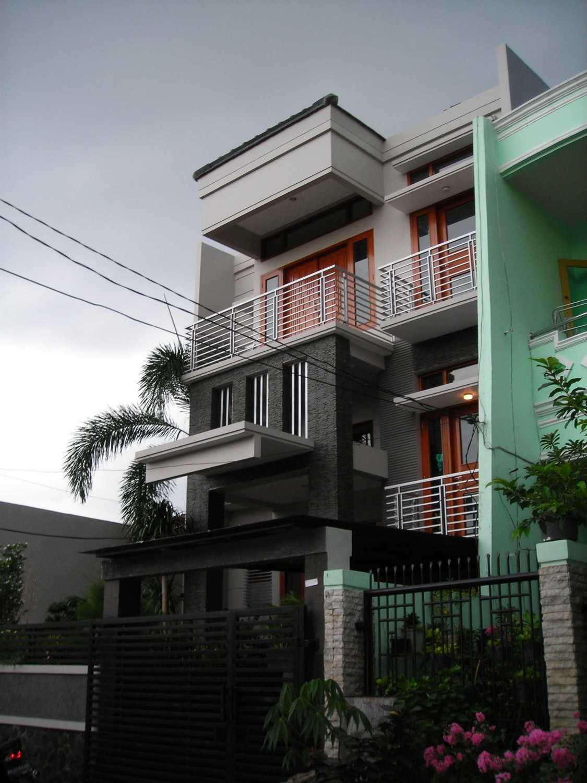 Jasa Design and Build Kent Darwin di Malang