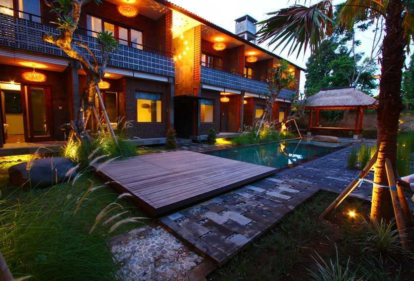 Foto inspirasi ide desain kolam industrial Swimming-pool-area oleh DDAP Architect di Arsitag
