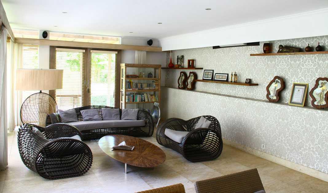 Foto inspirasi ide desain ruang keluarga tradisional Livingroom oleh DDAP Architect di Arsitag