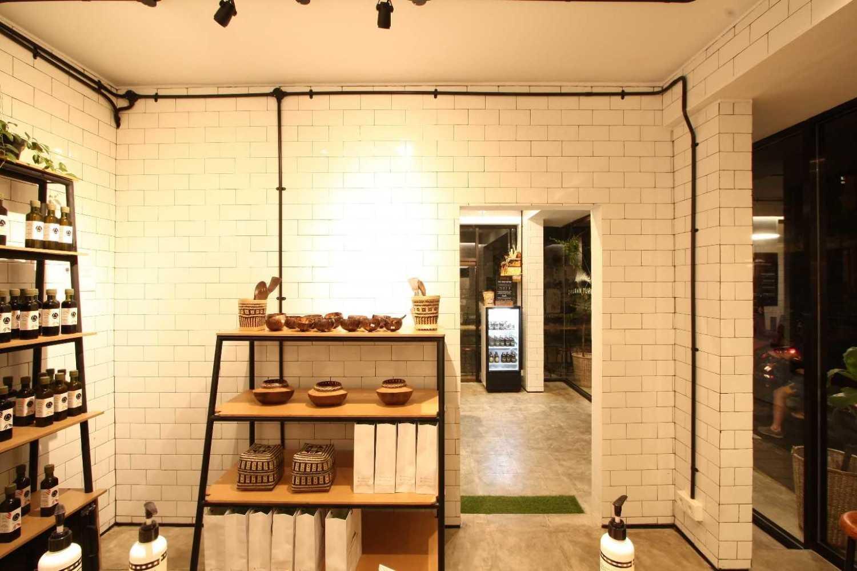 Ddap Architect Coconut Warung Shop & Cafe Ubud, Kabupaten Gianyar, Bali, Indonesia Bali Img0862 Industrial 28559