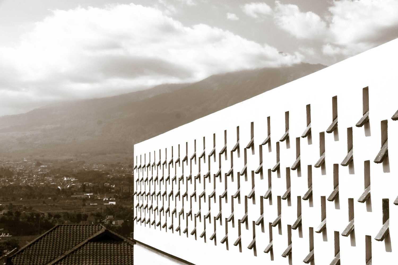 Ksad Arjuna Hotel Batu Perumahan Batu Permai, Jalan Merak No. 32, Temas, Kec. Batu, Kota Batu, Jawa Timur 65315, Indonesia Batu, Malang, East Java, Indonesia Roof Ventilation Detail  10204