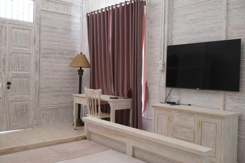 Iugo Design Villa At Lembang Bandung Bandung Bedroom Klasik 10367