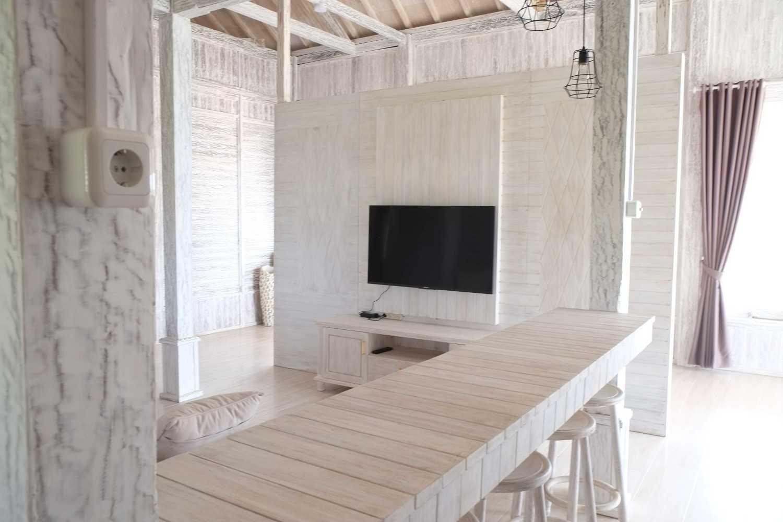Iugo Design Villa At Lembang Bandung Bandung Livingroom Klasik 10373