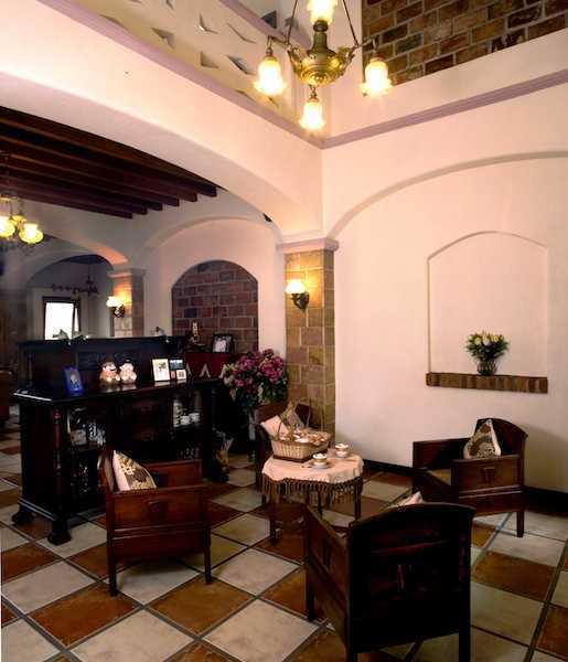 Foto inspirasi ide desain rumah 1980-1982 oleh Shonny Archaul di Arsitag