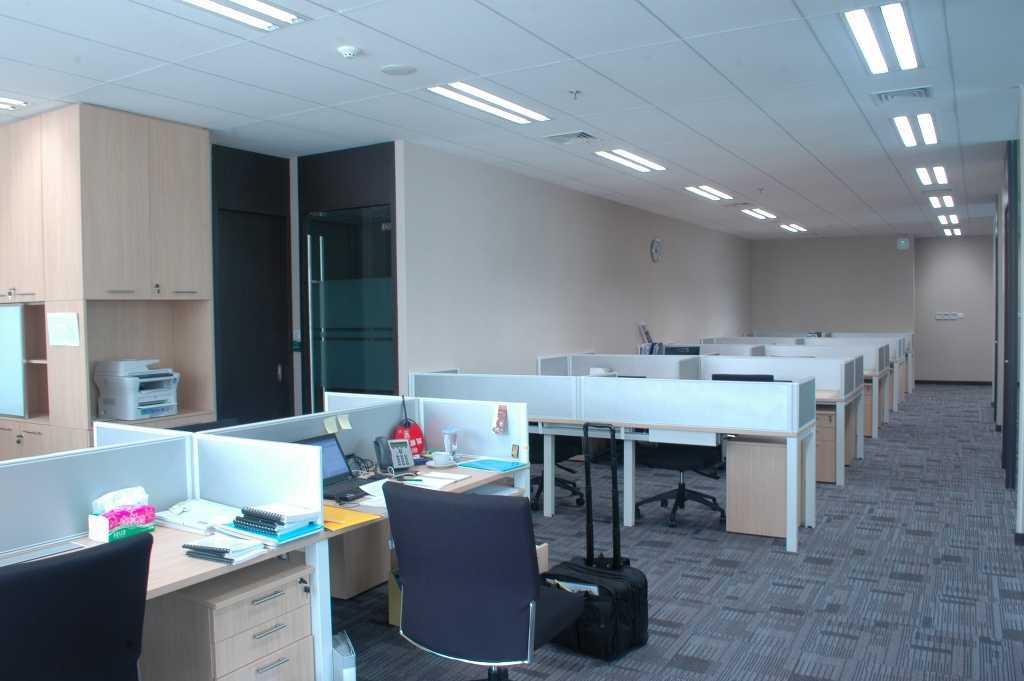 Devina Dona Bpi Office Jakarta Jakarta Staff Area Minimalis 16414