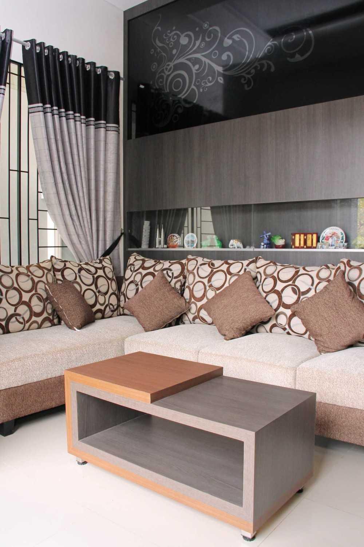 Fiano Cozy House Jakarta, Indonesia Jakarta, Indonesia Foyer Modern 29027