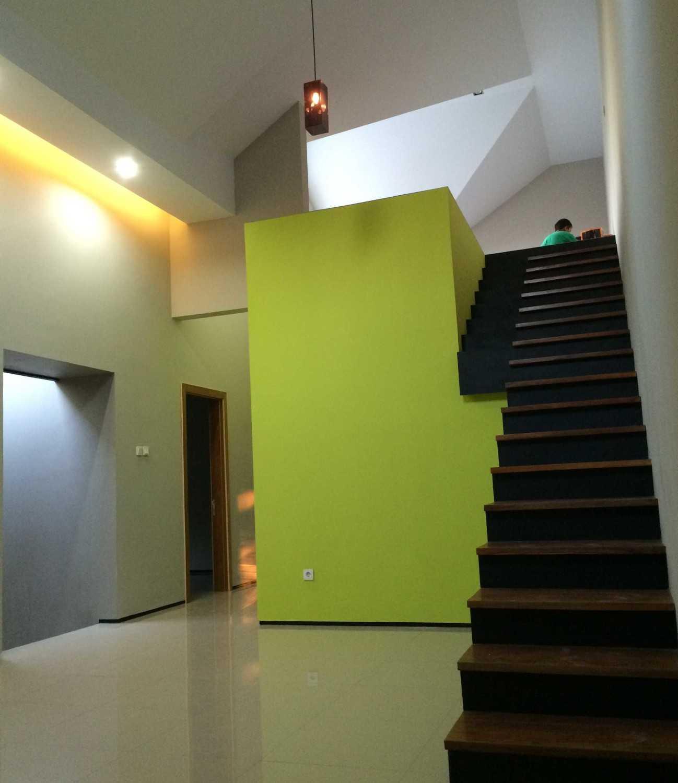 Hbarsitekplus Babadan House Yogyakarta Yogyakarta Stairs Minimalis 15485