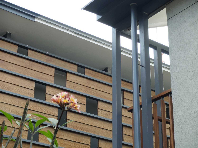 Rdma Adma Provence Jl.abadi-Geger Kalong, Bandung Jl.abadi-Geger Kalong, Bandung Exterior Detail Tropis,wood,modern 18935