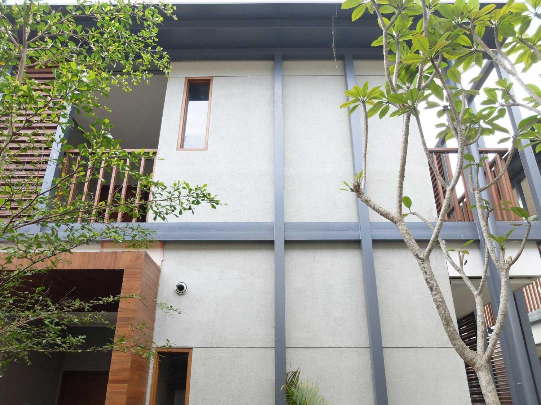 Rdma Adma Provence Jl.abadi-Geger Kalong, Bandung Jl.abadi-Geger Kalong, Bandung Exterior Detail Tropis,modern 18938