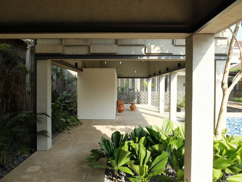 Rdma Adma Provence Jl.abadi-Geger Kalong, Bandung Jl.abadi-Geger Kalong, Bandung Selasar Tropis,modern 18939