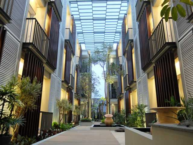 Rdma Fulmar House Jl.babakan Jeruk-Pasteur, Bandung Jl.babakan Jeruk-Pasteur, Bandung Courtyard Tropis,modern 18971