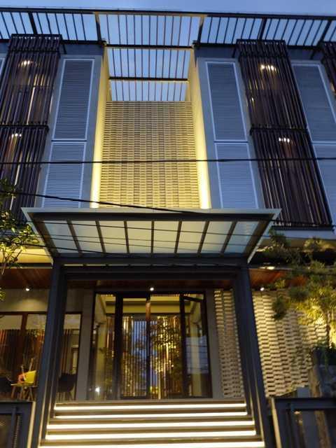 Rdma Fulmar House Jl.babakan Jeruk-Pasteur, Bandung Jl.babakan Jeruk-Pasteur, Bandung Front View Tropis,modern 18975