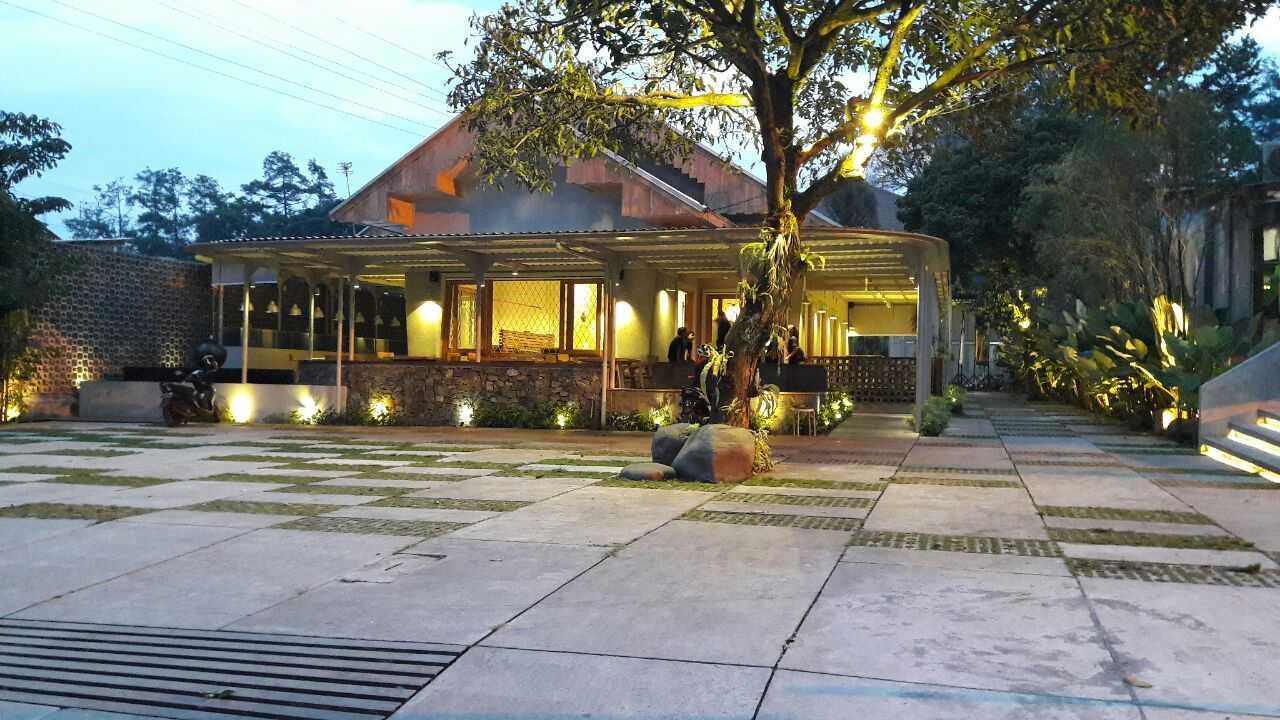 Rdma Food Village Jl.sukajadi, Bandung Jl.sukajadi, Bandung Parking Area  19090