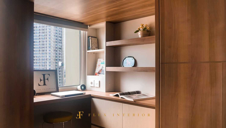Flux Interior Loft-Style Studio Apartment At Madison Park Residences, West Jakarta Jakarta Barat, Kb. Jeruk, Kota Jakarta Barat, Daerah Khusus Ibukota Jakarta, Indonesia  View Working Area And Storage Drawer Minimalis 51842