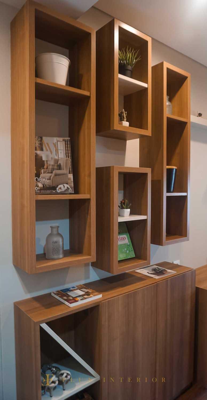 Flux Interior Loft-Style Studio Apartment At Madison Park Residences, West Jakarta Jakarta Barat, Kb. Jeruk, Kota Jakarta Barat, Daerah Khusus Ibukota Jakarta, Indonesia  View Decorative Hanging Shelves And Shoe Rack Minimalis 51853