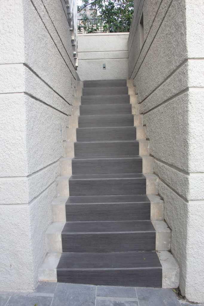 Paulus Adi Budianto Rumah Tinggal Semarang Semarang Stairs  10954