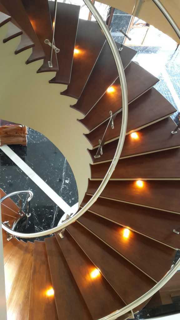 Paulus Adi Budianto Rumah Tinggal Semarang Semarang Stairs Klasik,minimalis 18885