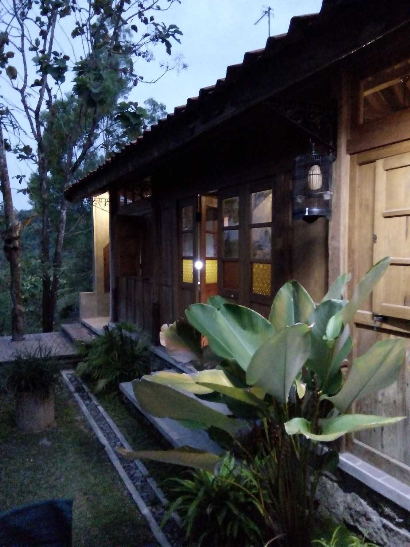 Aditya Wijaya / Studio Indirakasa Bangunjiwo House Yogyakarta Yogyakarta Exterior Detail Tropis 16806
