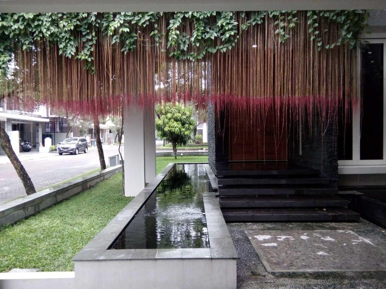 Aditya Wijaya / Studio Indirakasa 11 House Yogyakarta Yogyakarta Entrance Door Kontemporer 17383