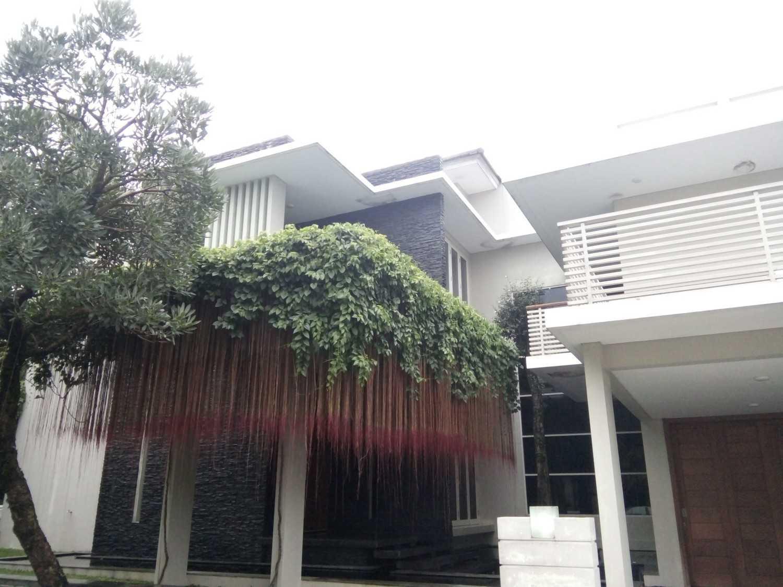 Aditya Wijaya / Studio Indirakasa 11 House Yogyakarta Yogyakarta Front View Kontemporer 17387