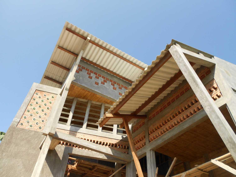 Mojo - Sketsarumah.com Rumah Toko Kroya Kroya Exterior Detail Tradisional 11628