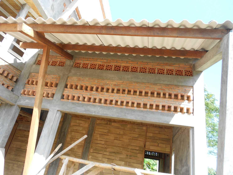 Mojo - Sketsarumah.com Rumah Toko Kroya Kroya Exterior Detail Tradisional 11833