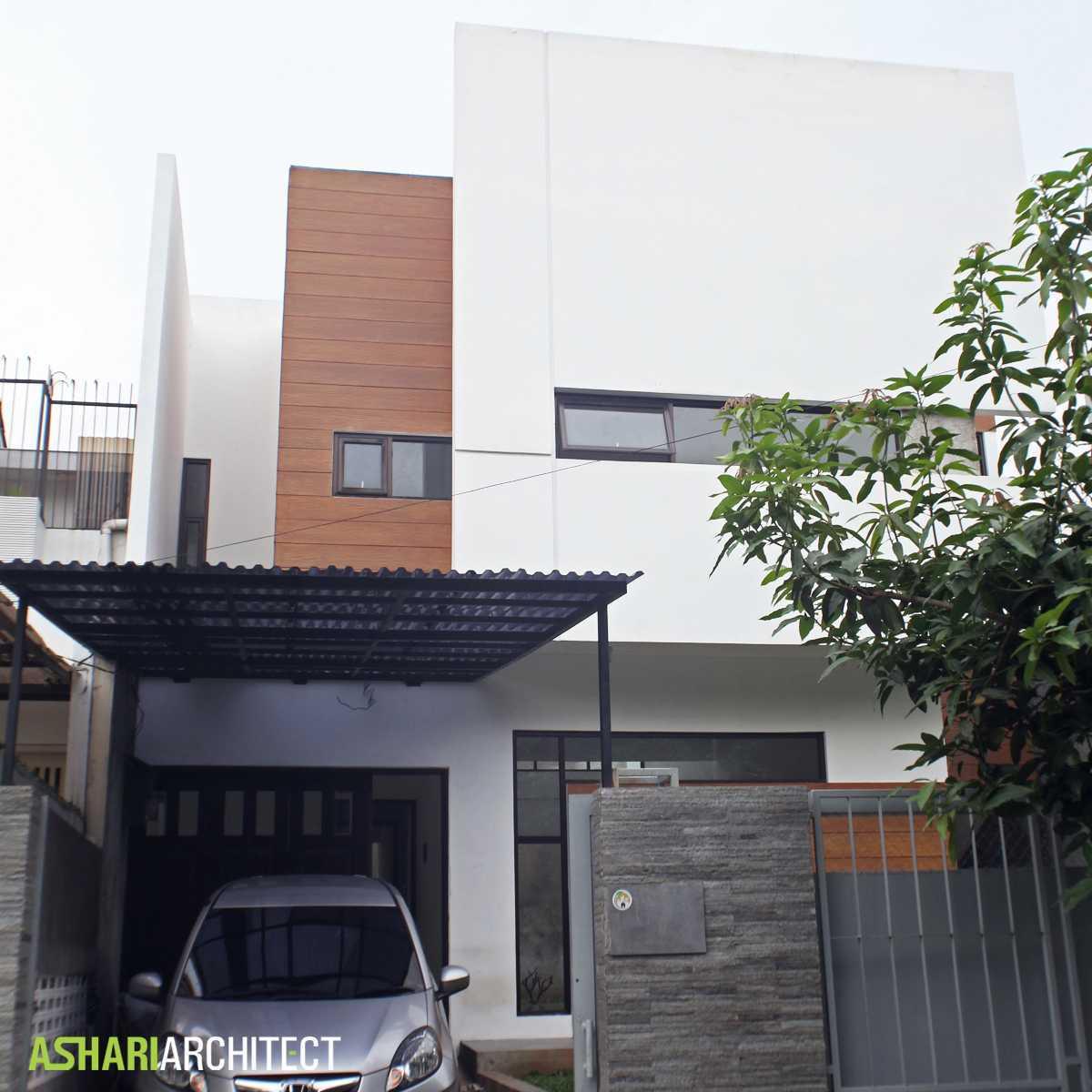 Ashari Architects Alam V House Depok, West Java, Indonesia Depok, West Java, Indonesia Front View Kontemporer 11859