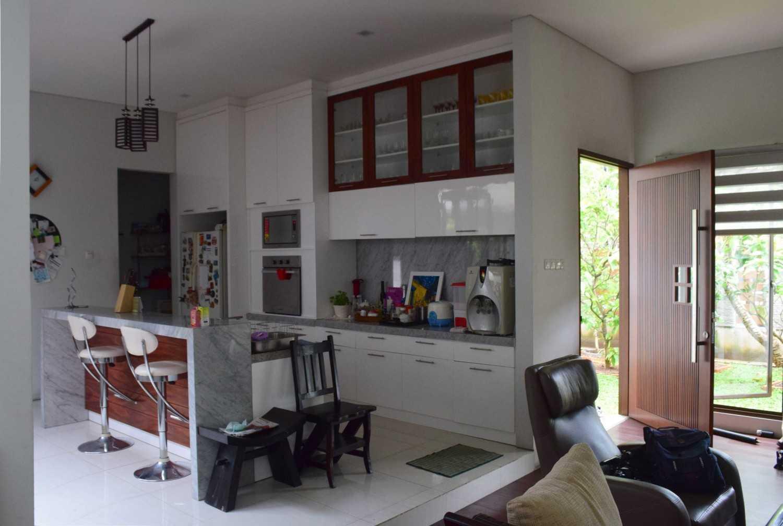 Ashari Architects Kalibata House Jakarta, Indonesia Jakarta, Indonesia Kitchen-Area Kontemporer 11897